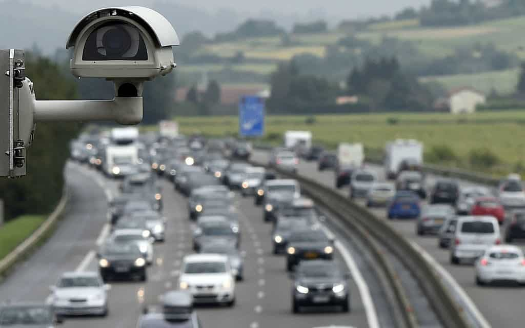 Texas Republican Files House Bill To FINANCIALLY PENALIZE States With Traffic Cameras 1